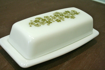 Corningware Pyrex Covered Butter Dish in Spring Blossom Green Pattern