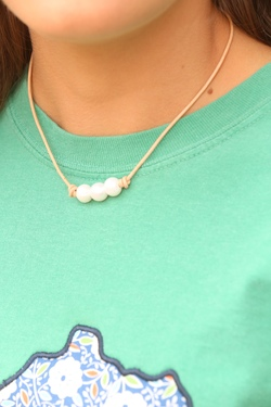 Leather and Pearl Necklace -Triple- (Light Brown)