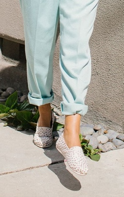TOMS Classic ~ Rose Gold Dots