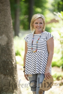 Piko ~ Strive for the Best Top (White/Navy)