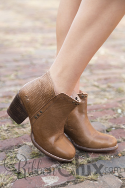 Bed Stu Tan Lux Yell Boot