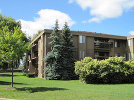 Lakeside Village, apartments in Clinton Township, MI
