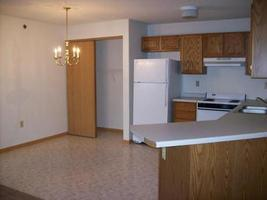 Royal oaks apartments in hudson wi for 1 bedroom apartments in hudson wi