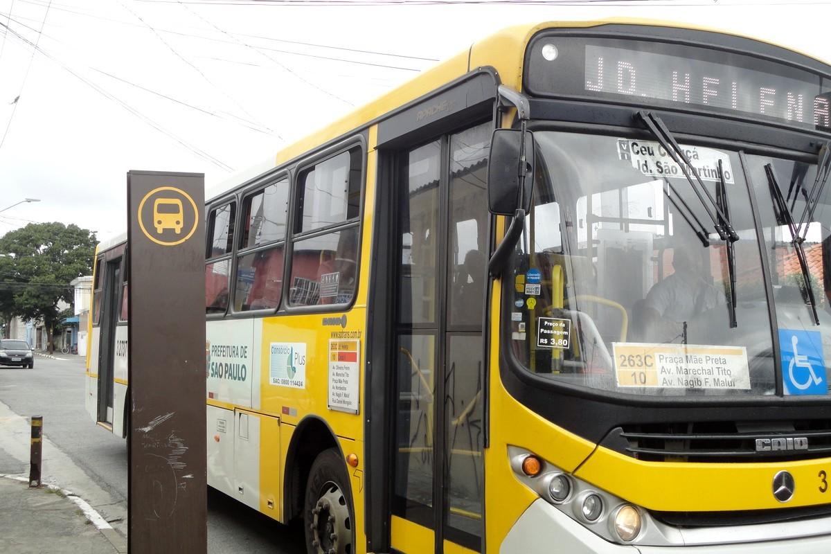 Corte de linhas de ônibus muda os hábitos de deslocamento dos moradores da zona leste