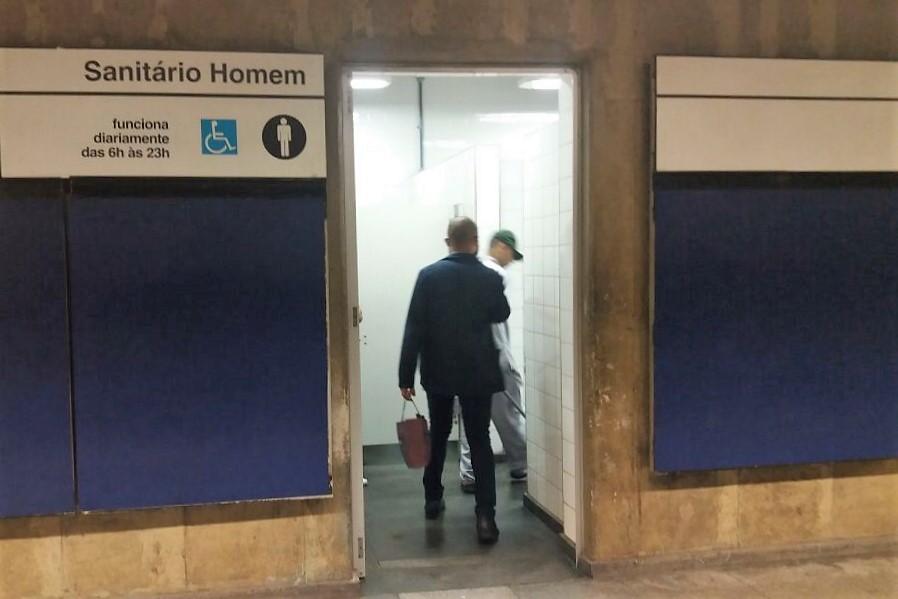 sanitários publicos nas estações