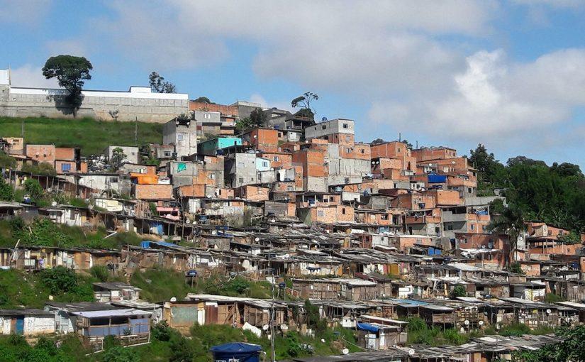 Como São Paulo é dividida de maneira territorial e administrativa?