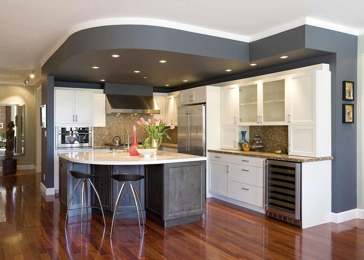 Кухня в коттедже фото дизайн