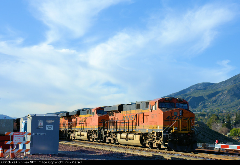 BNSF 6777 Rear of Lite Power Move