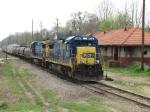 March 27, 2007 - CSXT 5940 leads F784 past station