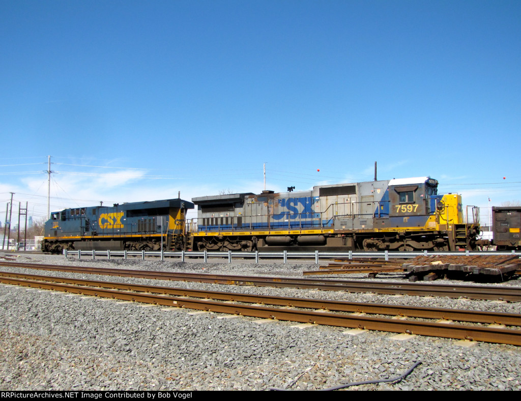 CSX 7597 and 702