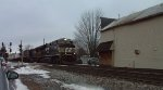 NS 7682 & 8352 Lead an Eastbound Intermodal