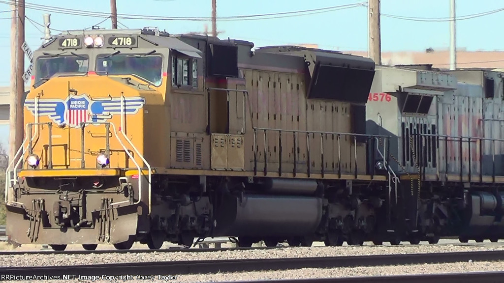UP 4718 and KCS 4576