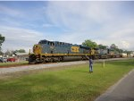 CSX 756, CSX 513, and CSX 9027 leads  Q026-05 northbound into Folkston