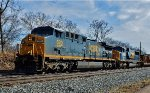 CSX 520 & 4513 mix it east.