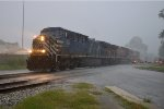CEFX 1048 on NS 210 in the Pouring Rain