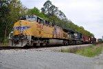 UP 5602 on CSX Q602