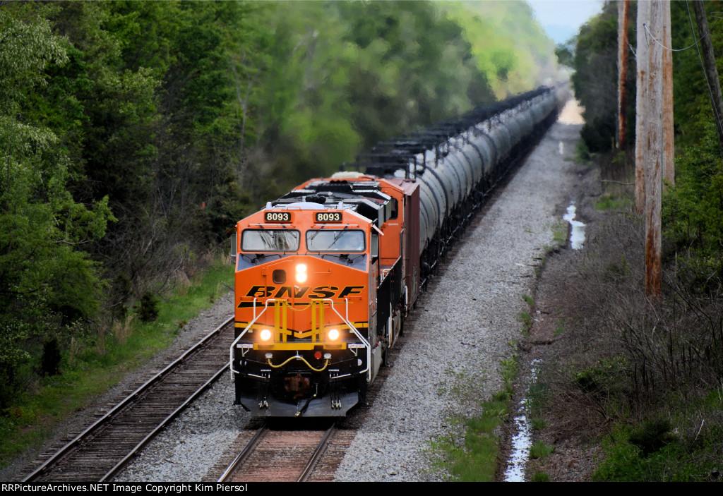 BNSF 8093 CSX Train K044 Crude Oil Loads