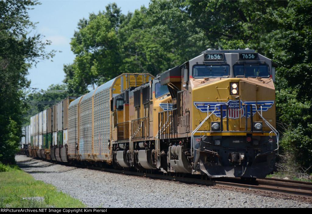UP 7656 4417 4560 NS Train 212