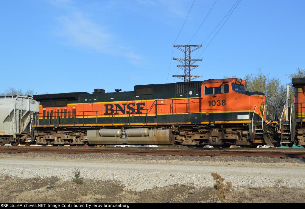 BNSF 1038