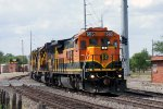BNSF 565 rounds the curve