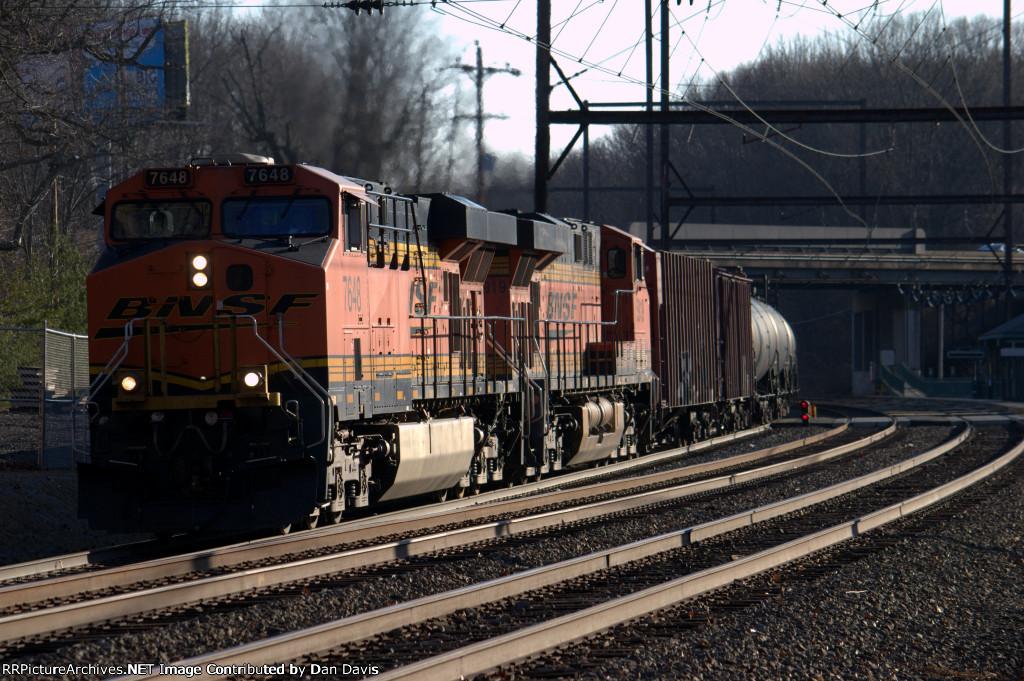 BNSF ES44DC 7648 leads K047-21