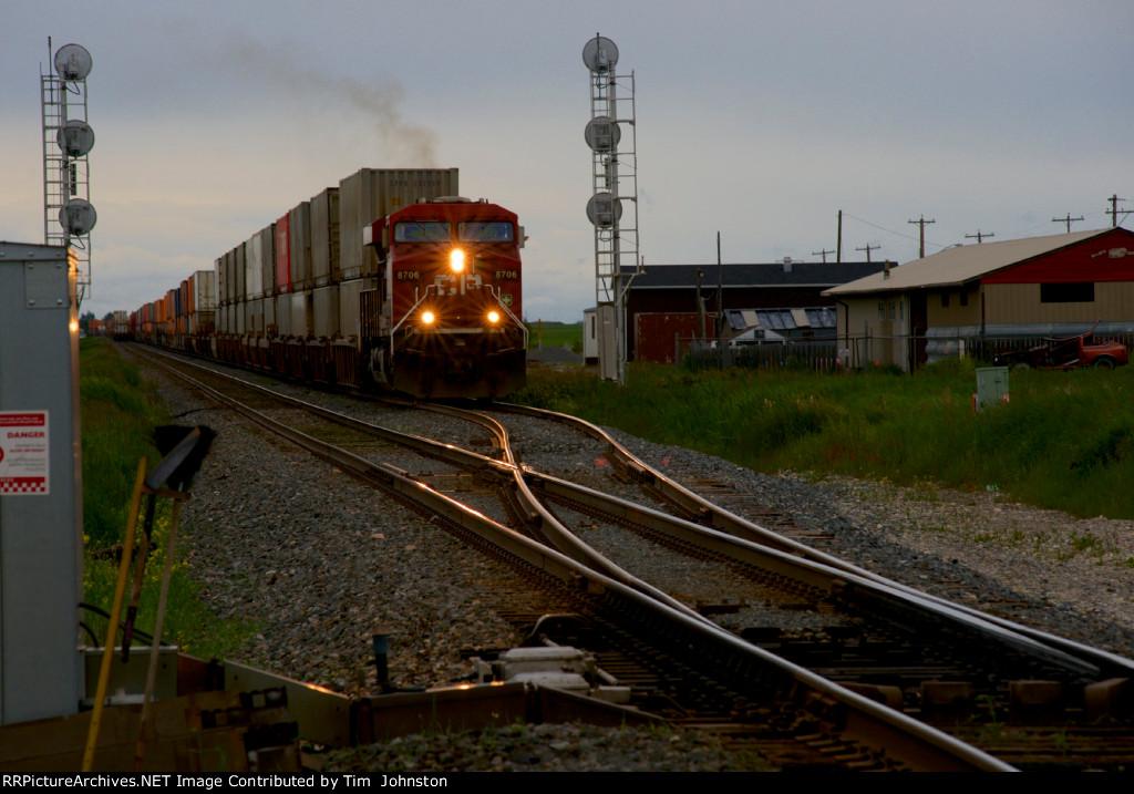 CP 8706 at Carseland, Alberta