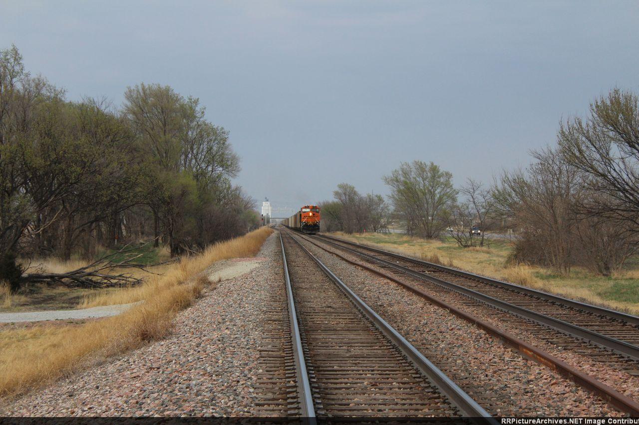 BNSF 6115 East