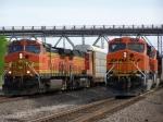 BNSF C44-9W 4537 & BNSF ES44AC 6137