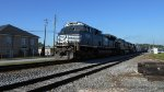 NS 153 Westbound with SD70M-2 leader