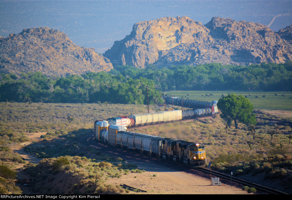 UP 8488 With Manifest Through Mojave Narrows