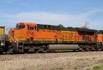 BNSF 5736