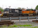 NS 9500 and BNSF 6685
