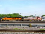 BNSF 6685 and 880