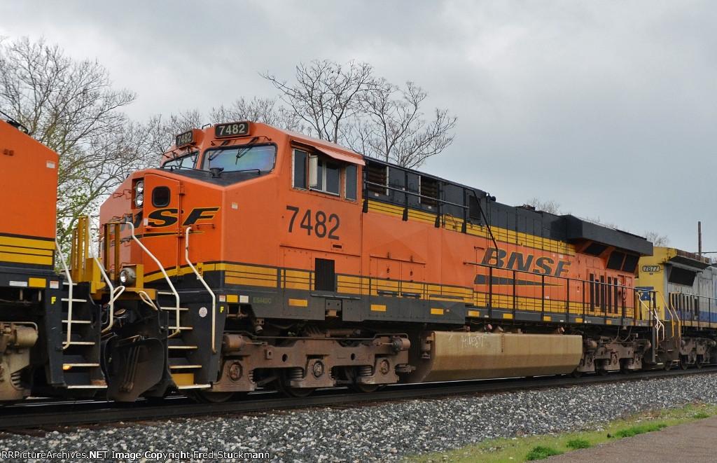 BNSF 7482