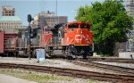 CN 8952 with train 320 passes 27th St signals