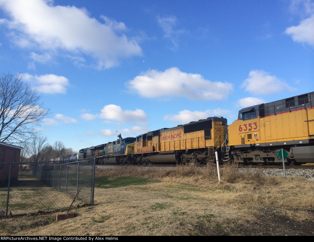 Trailing units on CSX Q531