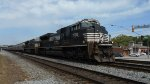 NS 2752 SD70M-2 Leads Northbound grain train