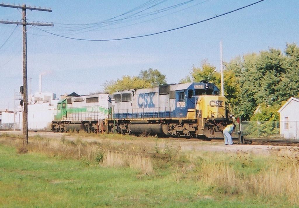 CSX 8709 - FURX 3004