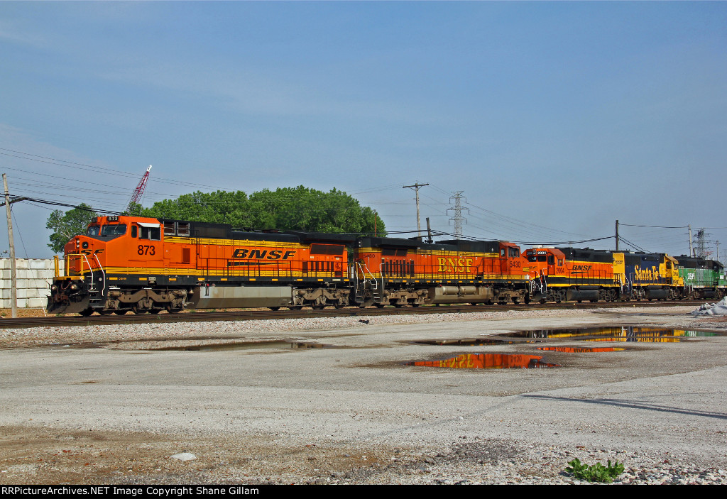 BNSF 873 has a nice mix of power with it..