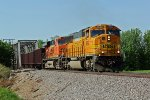 BNSF 8842 Leads a SB ore train down the K-Line.