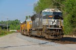 NS 2605 Rolls a WB freight through Hannibal Mo.