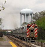 Metra heading north out of the Lake-Cook Station