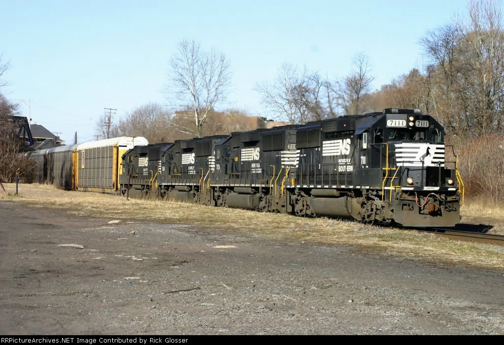 NS 212 With Usual EMD Lash Up @ 0911 hrs.