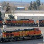 BNSF 5499 & BNSF 5487