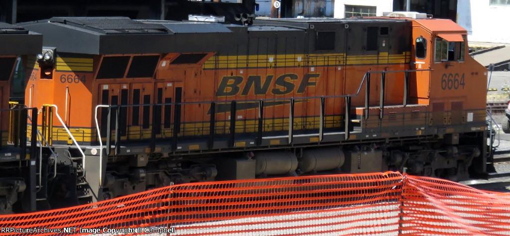BNSF 6664