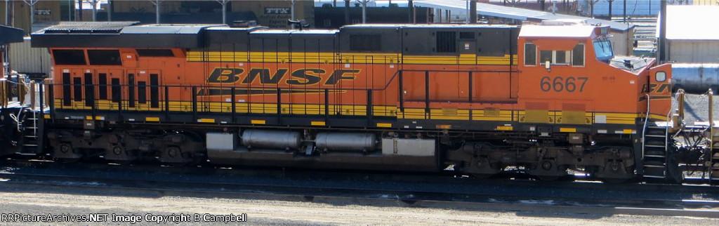 BNSF 6667
