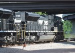 NS SD70ACe #1086 off of NS 64K