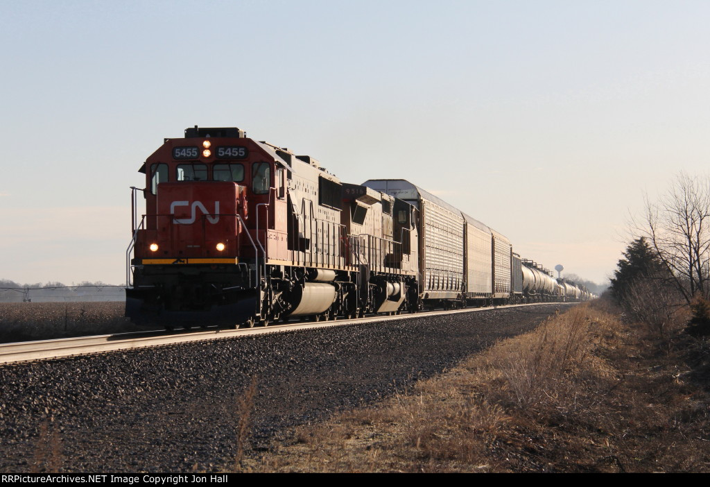 CN 5455 & UP 9516 pick up speed as they roll west on the South Bend Sub with M399