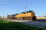 UP SD70M Leading the Q194
