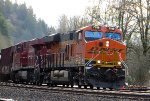 BNSF 7018 leans back out of the curve with CP 8763